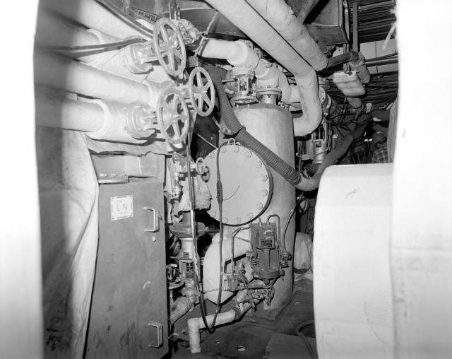 Main engine room No. 2, compartment 5-300-O-E, aboard the guided missile cruiser USS LAKE ERIE (CG 70). The LAKE ERIE, under construction at the Bath Iron Works Corp. shipyard, is 70 percent complete