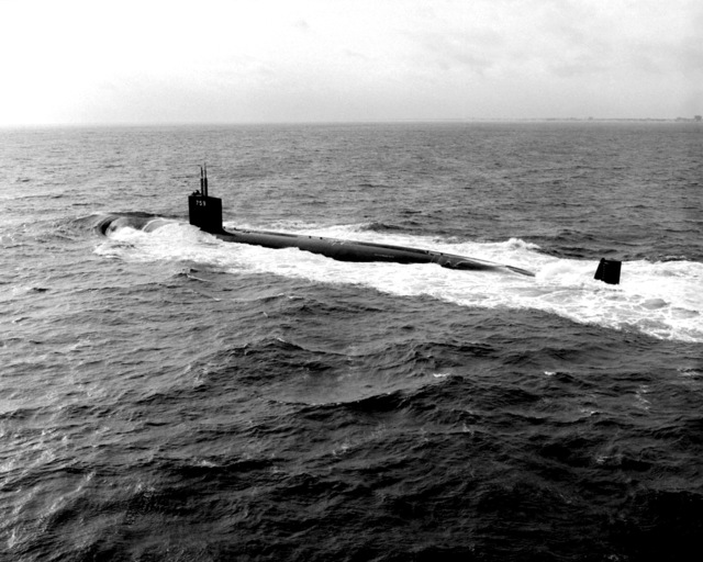 A port quarter view of the nuclear-powered attack submarine JEFFERSON CITY (SSN-759) underway during sea trials off the Virginia Capes