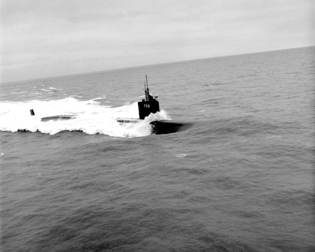 A starboard bow view of the nuclear-powered attack submarine JEFFERSON CITY (SSN-759) underway during sea trials off the Virginia Capes