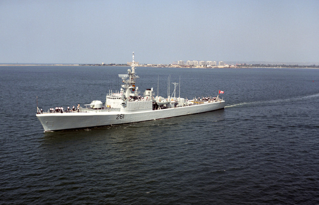 Port side view of the Royal Canadian Navy (RCN) MacKenzie Class Destroyer Escort, Her Majesty's Canadian Ship (HMCS) MACKENZIE (DDE 261), passing along San Diego, California (CA). The ship is participating in RIMPAC 92 (Rim of the Pacific Exercise 1992)