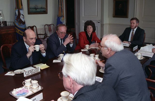 The Honorable Leslie 'Les' Aspin, Jr., (foreground right), U.S. Secretary of Defense, attends a meeting with Mafred Woerner (left), Secretary General of North Atlantic Treaty Organization (NATO), at the Pentagon, Washington, D.C., March 2, 1993. OSD Package No. A07D-00140 (DOD photo by Robert D. Ward) (Released)