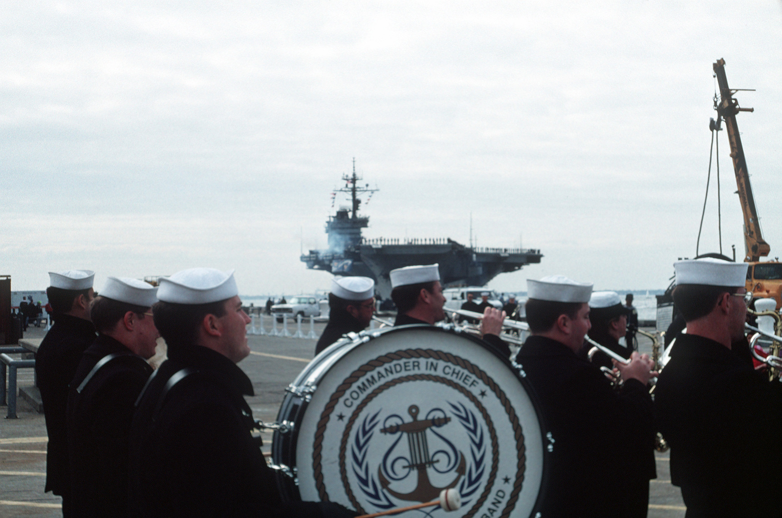 a navy band welcomes home the aircraft carrier uss john f kennedy