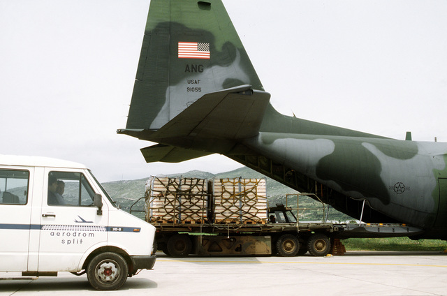 Cargo is loaded onto an USAF C-130 Hercules at the port city of Spilt. The cargo is bound for Sarajevo as part of the United Nations relief effort to the besieged city