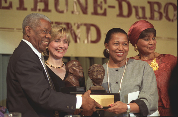 Photograph of First Lady Hillary Rodham Clinton with Bethune-Dubois Awards Honoree Senator Carol Moseley Braun