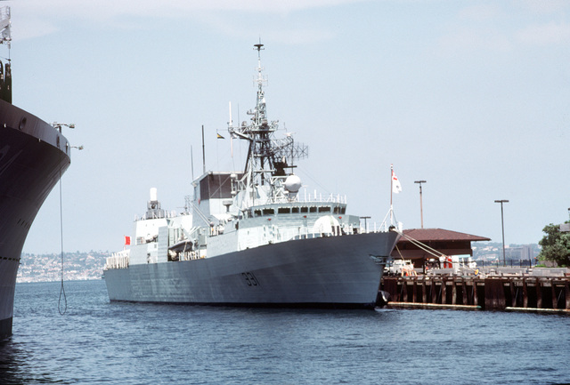 A starboard bow view of the Canadian frigate HMCS VANCOUVER (FFH-331) tied up at the Broadway pier in San Diego Harbor