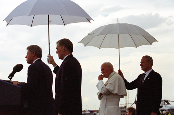 Photograph of President William J. Clinton and Pope John Paul II Addressing the Crowd at the Stapleton International Airport Arrival Ceremony in Denver, Colorado