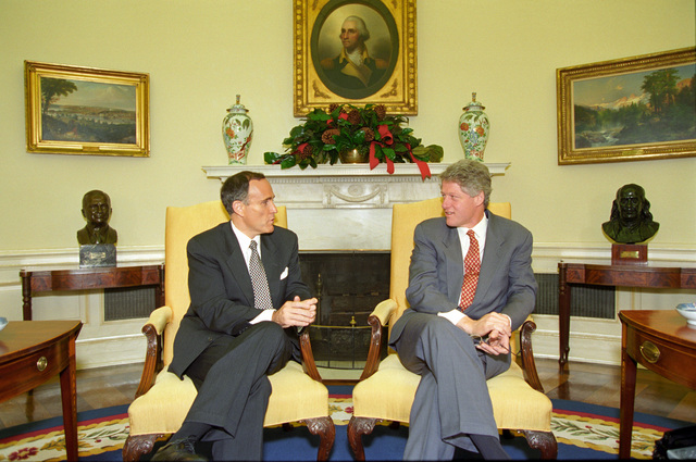 """Photograph of President William Jefferson Clinton Meeting with Rudolph """"Rudy"""" Giuliani in the Oval Office of the White House"""