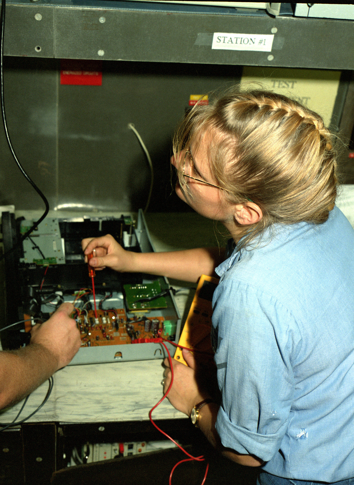 Electronic Technician Et3 Karina A Larson Makes Adjustments On Electrical Wiring Tender Piece Of Equipment