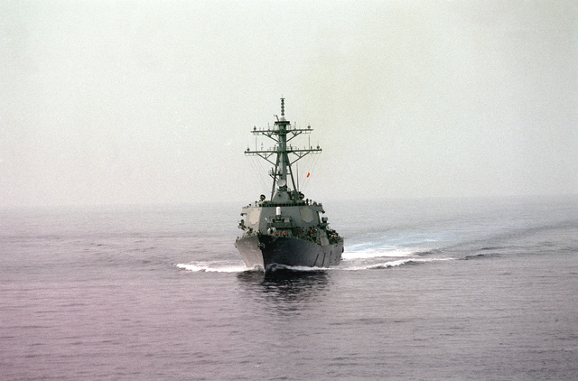 A bow-on (off centerline) view of the guided missile destroyer USS BARRY (DDG-52) underway as part of the GEORGE WASHINGTON (CVN-73) Battle Group