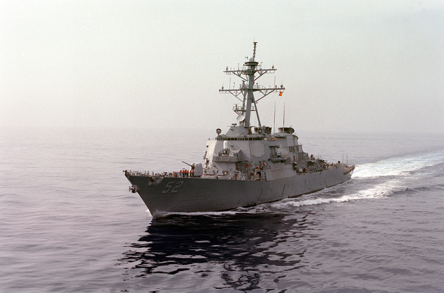 Port bow view of the guided missile destroyer USS BARRY (DDG-52) underway as part of the GEORGE WASHINGTON (CVN-73) Battle Group