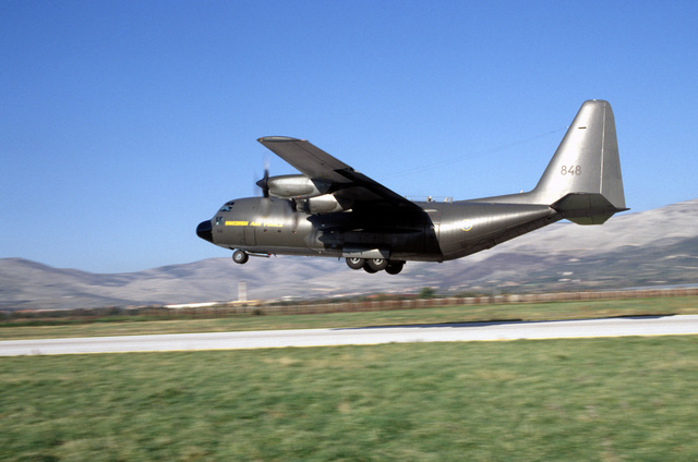 A Swedish Air Force C-130 takes off from Aerodrom Split