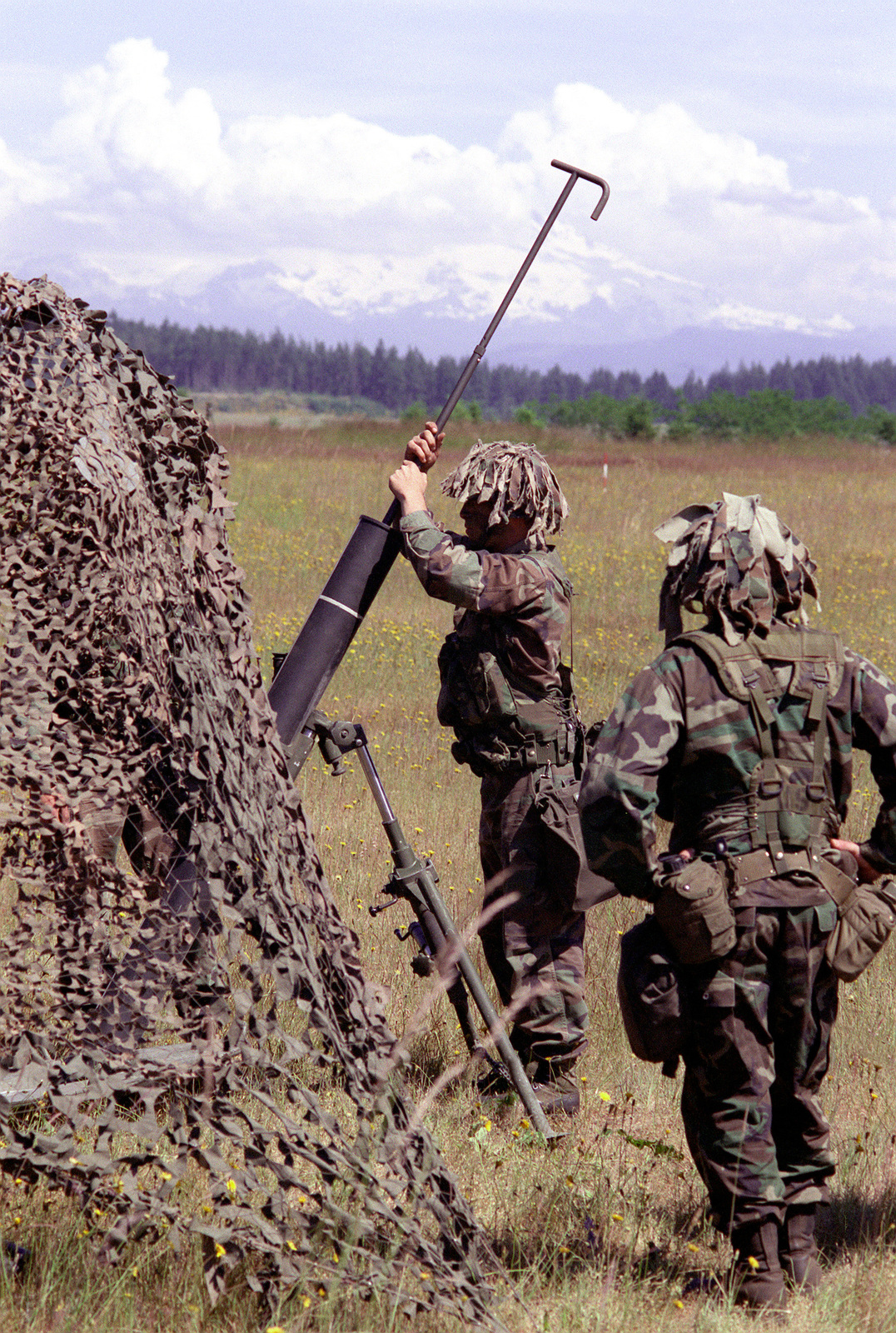 Mortar crew soldiers assigned to 1ST Battalion, 5th Infantry