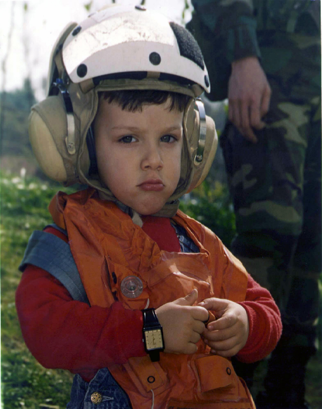 An American child awaits the evacuation flight from the US Embassy in Tirana, Albania, to the USS Nassau during Operation SILVER WAKE. 26th Marine Expeditionary Unit (Special Operations Capable) (MEU (SOC)) was called upon to perform a NEO (Non-combatant Evacuation Operation) of US citizens that desired to leave Albania, due to the current civil strife