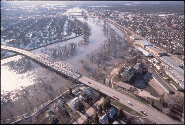 [Severe Storms/Flooding] Grand Forks, ND, April 1, 1997 - Aerial of  Grand Forks and river. The Red River of the North flood waters came though Grand Forks. FEMA/Mike Rieger