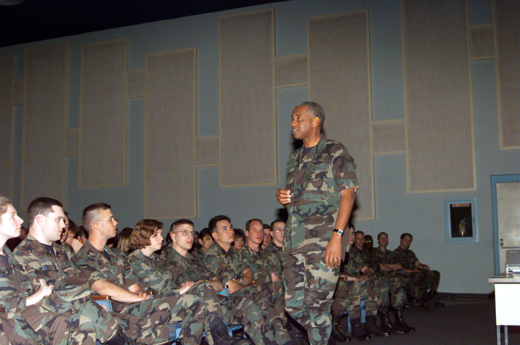 """GEN Lloyd W. """"Fig"""" Newton, Commander of Air Education and Training Command (AETC) speaks with Intelligence Officer Students during his base orientation tour and briefing"""
