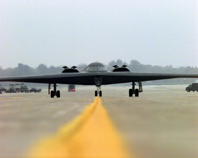 """A B-2 """"Spirit"""" stealth bomber prepares to take-off during the joint military exercise GLOBAL GUARDIAN '98"""