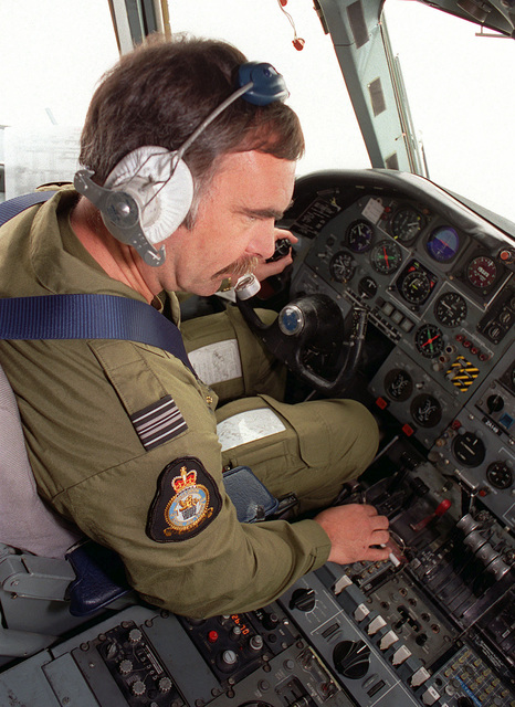Squadron Commander Dickie Druitt flies a British Royal Air Force VC-10 K3 fueling tanker on an air-to-air refueling mission with British GR-1 Tornado jets (Not shown) over Kuwait as part of the Southwest Asia build-up