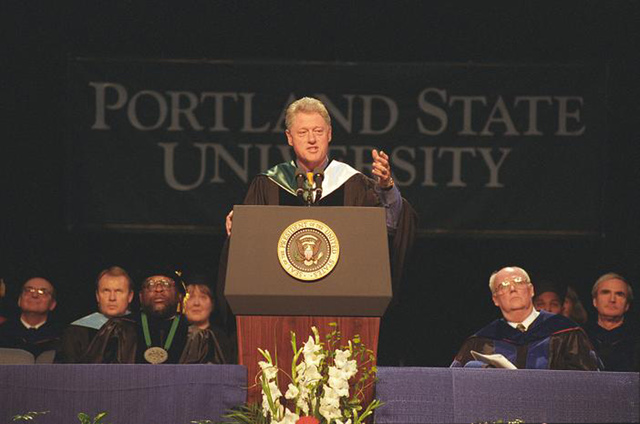 Photograph of President William Jefferson Clinton Delivering the Portland State University Commencement Address