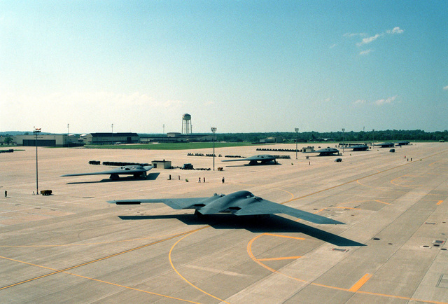 "A B-2 Spirit Bomber aircraft nicknamed ""The Spirit of Hawaii"" taxies to get into formation at Whiteman AFB, Missouri during the Air Force Bases's first ""Beast Walk"" Exercise. ""Beast Walk"" is an exercise nuclear alert in which the bombers respond using quick engine start and taxi procedures"