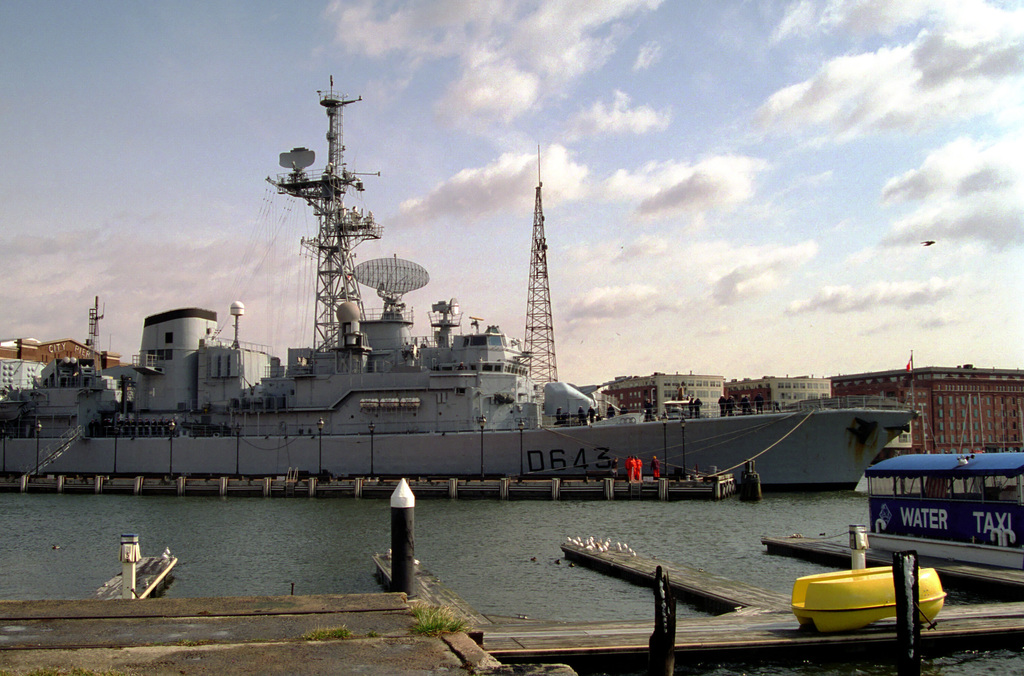 Starboard side view of French Frigate FS JEAN de VIENNE (D 643) - Georges Leygues Class (TYPE F 70 (ASW)) (DDG), in the process of docking at Fells Point for an official port visit