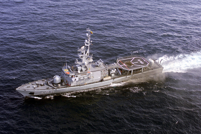 Ecuadorian navy ship ESMERALDAS (CM 11) cruises off the coast of Ecuador during training exercises with USS REUBEN JAMES (FFG 57) (not shown) while en route to Exercise TEAMWORK SOUTH '99. Reuben James will be conducting bilateral operations with the Chilean navy