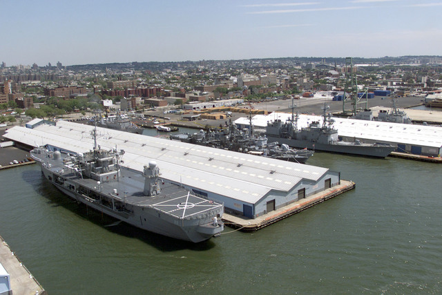 "USS MOUNT WHITNEY (LCC 20) moored at New York Citys pier 7, during the International Naval Review 2000 (INR 2000), ""Celebration of Seapower for the Millennium"""
