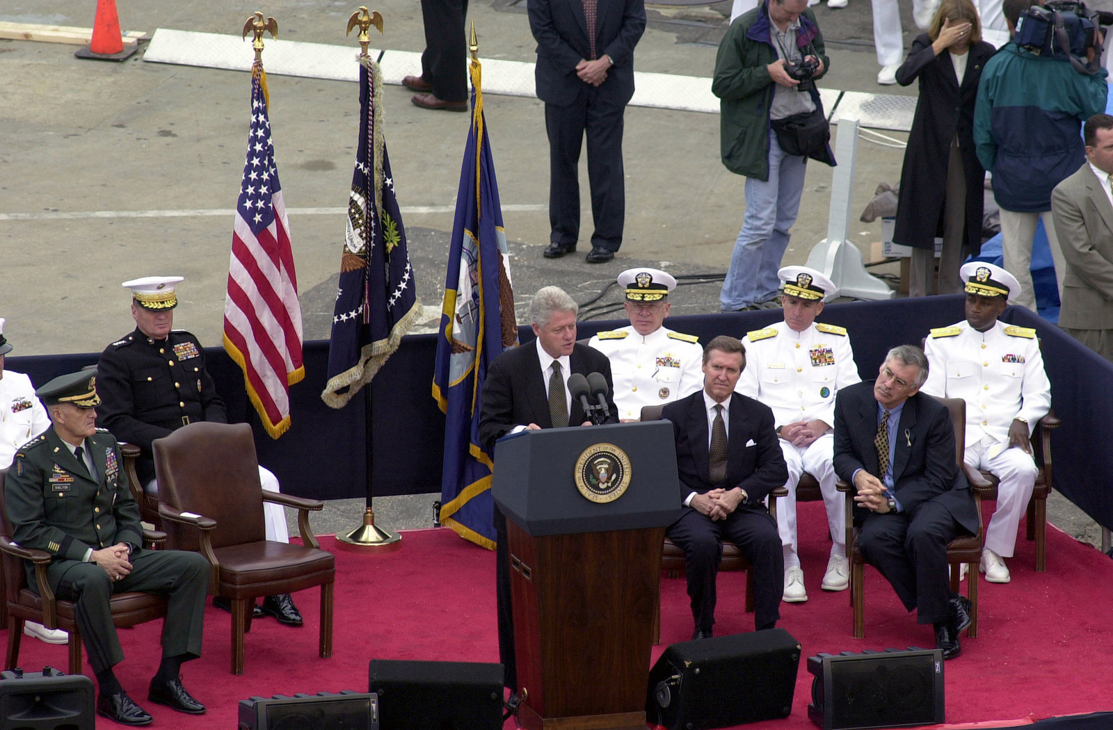 President Clinton and other military leaders address a closed memorial service for families and friends of the sailors killed and those still missing as a result of the terrorist attack on the USS COLE (DDG 67) in the port of Aden, Yemen