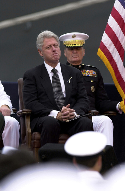 President William Jefferson Clinton during a memorial ceremony held for the USS COLE (DDG-67) sailors