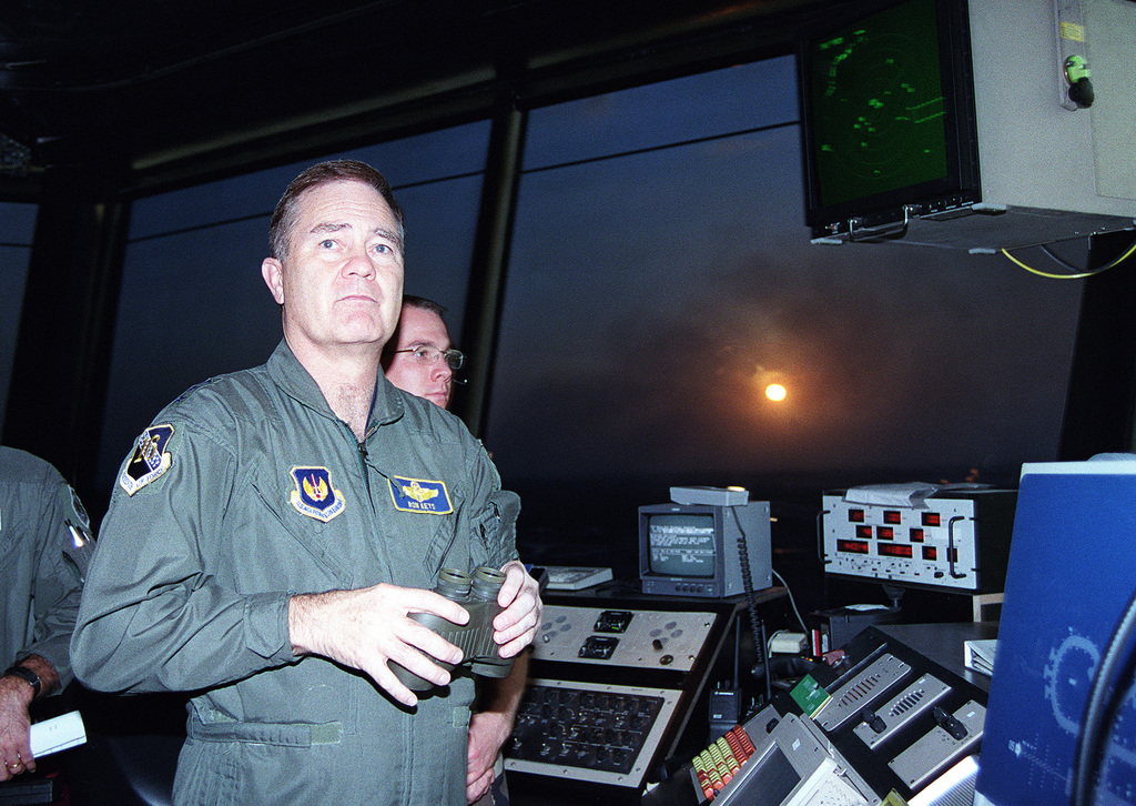 US Air Force Lieutenant General Ronald Keys, 16th Air Force commander, visits the new air traffic control tower during his visit to Incirlik Air Base, Turkey