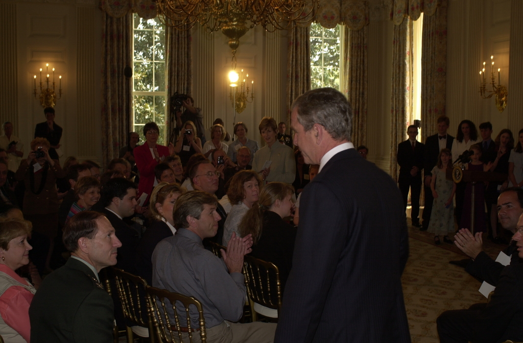 Presidential Environmental Youth Awards at White House [412-APD-A21-esc_0018.JPG]