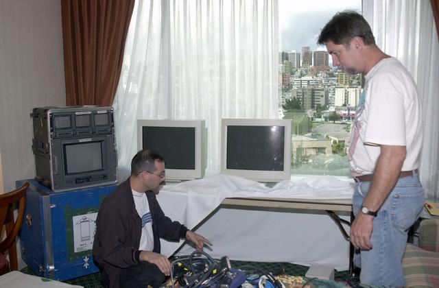 Electronic Technician Second Class (ET2) Robert Allaband, a