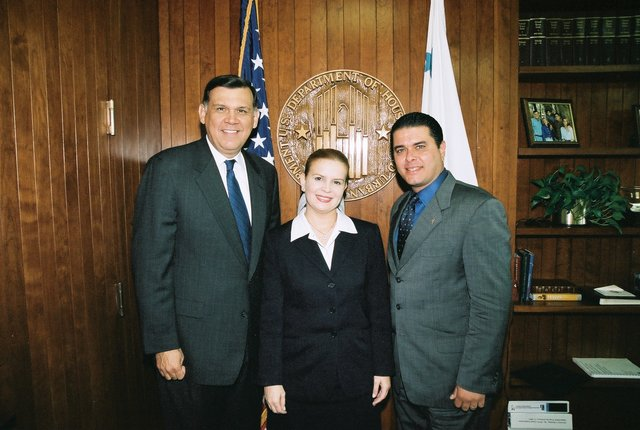 Secretary Mel Martinez, Deputy Secretary Alphonso Jackson with Mayor of San Juan, Puerto Rico