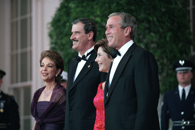 President George W. Bush and Mrs. Laura Bush with Mexico's President Vicente Fox and Mrs. Martha Sahagun de Fox at State Dinner Arrival