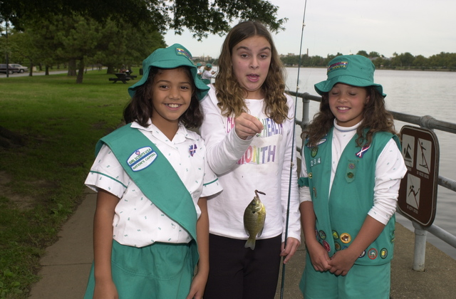 Administrator Christine Todd Whitman joins Girl Scouts on outing [412-APD-A33-CTWGS_24.JPG]