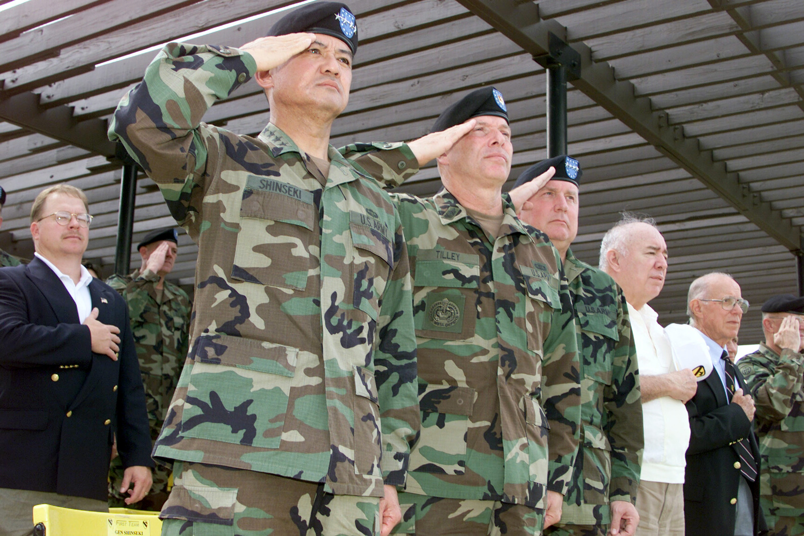 A view of the VIP section during the 1ST Cavalry Divisions Change of Command Ceremony at Fort Hood, Texas (TX). Pictured left-to-right are US Army (USA) General (GEN) Erik K. Shinseki, USA CHIEF-of-STAFF; USA Command Sergeant Major of the Army (CSMA) Jack L. Tilley; USA GEN John N. Abrams, Commanding General, Training and Doctrine Command (TRADOC); USA GEN (Retired) Richard E. Cavazos, and GEN (Retired) Robert M. Shoemaker
