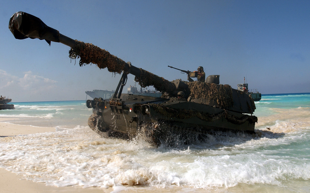 A Spanish Army M109A5 155mm Self-propelled Howitzer comes ashore at El Omayed, Egypt as US, Spanish and Egyptian Forces conduct amphibious operations, during Exercise BRIGHT STAR 01/02. BRIGHT STAR 01/02 is a multinational exercise involving more than 74,000 troops from 44 countries that enhances regional stability and military-to-military cooperation among our key allies, and our regional partners. It prepares US Central Command to rapidly deploy and employ the forces needed to deter aggressors and, if necessary, fight and win side-by-side with our allies and regional partners
