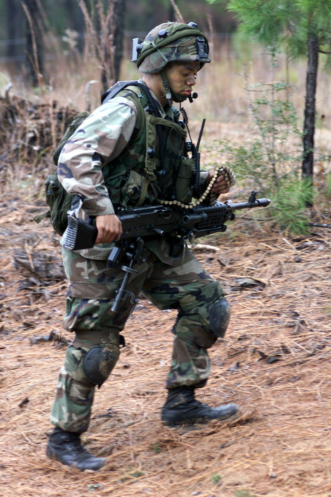 A US Army (USA) 25th Infantry Division (Light) Soldier wears