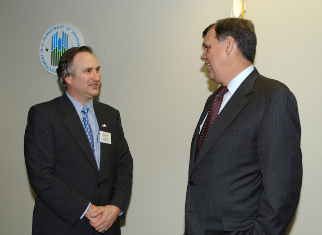 Secretary Mel Martinez, HUD Staff in Jacksonville, Flordia