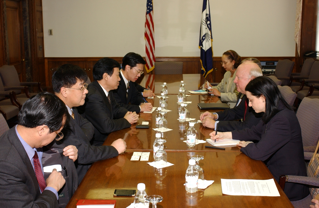 [Assignment: OS_DS_2002_1202_15] Office of the Deputy Secretary - MEETING WITH DEPUTY GOVERNOR OF CHINA [40_CFD_OS_DS_2002_1202_15_DSC_0007.JPG]