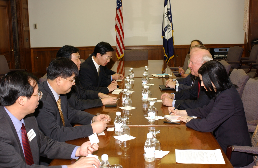 [Assignment: OS_DS_2002_1202_15] Office of the Deputy Secretary - MEETING WITH DEPUTY GOVERNOR OF CHINA [40_CFD_OS_DS_2002_1202_15_DSC_0006.JPG]