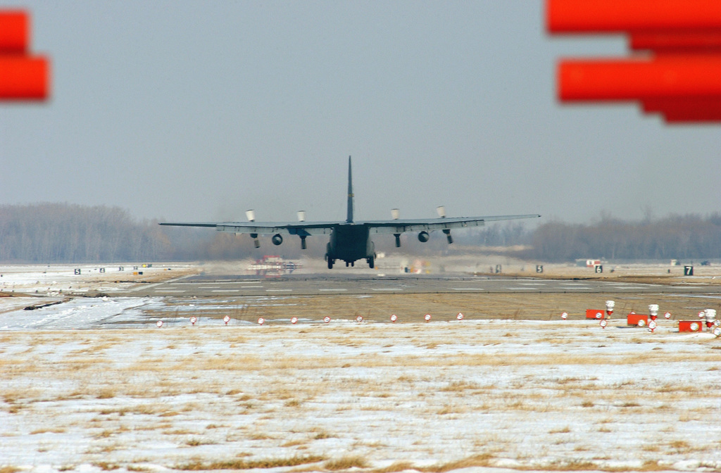 A US Air Force (USAF) C-130 Hercules aircraft from the 127th Wing, Michigan Air National Guard (ANG) lands at Selfridge ANGB, Michigan (MI), during a training mission in support of Operation NOBLE EAGLE