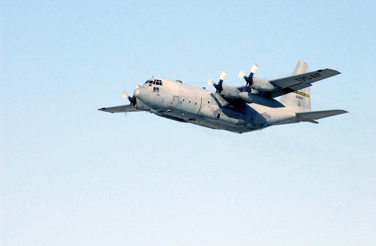 A US Air Force (USAF) C-130 Hercules aircraft from the 127th Wing, Michigan Air National Guard (ANG) dose a fly by at Selfridge Air National Guard Base (ANGB), Michigan (MI), during a training mission in support of Operation NOBLE EAGLE