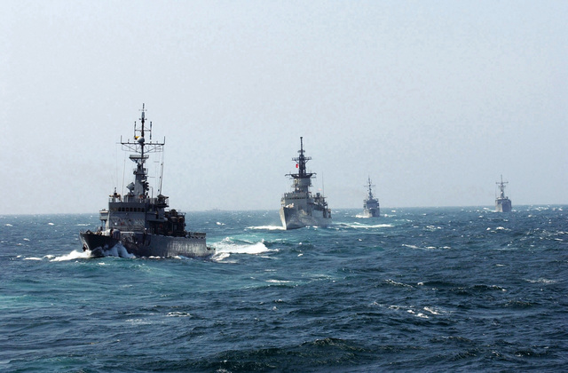 An armada of naval sea power underway in the Caribbean Sea during the 43rd annual UNITAS exercises include the Colombian Navy (Armada De La Repbulica) ALMIRANTE PADILLA CLASS (Type FS 1500) CORVETTE; FSG Almirante Padilla (CM 51) (foreground); the Mexican Navy (ARMADA REPUBLICA MEXICANA) ALLENDE CLASS: ARM MARINNO ABASOLO (F 212); the Colombian Navy FSG CALDAS (CM 52); THE US Navy (USN) Guided Missile Frigate USS DOYLE (FFG 39) and the USN Guided Missile Cruiser USS YORKTOWN (CG 48). UNITAS is the largest multi-national naval exercise conducted with naval forces from the Caribbean Sea, South and Central America and the USN. The exercises focus on building multinational coalition while...