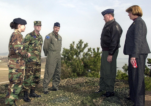 United States Air Force (USAF) CHIEF of STAFF (CS) of the Air Force, General (GEN) John P. Jumper receives a briefing from airman of the 8th Fighter Wing (FW) on a visit to Kunsan Air Base, Republic of Korea (KOR), about Big Coyote which overlooks Kunsan