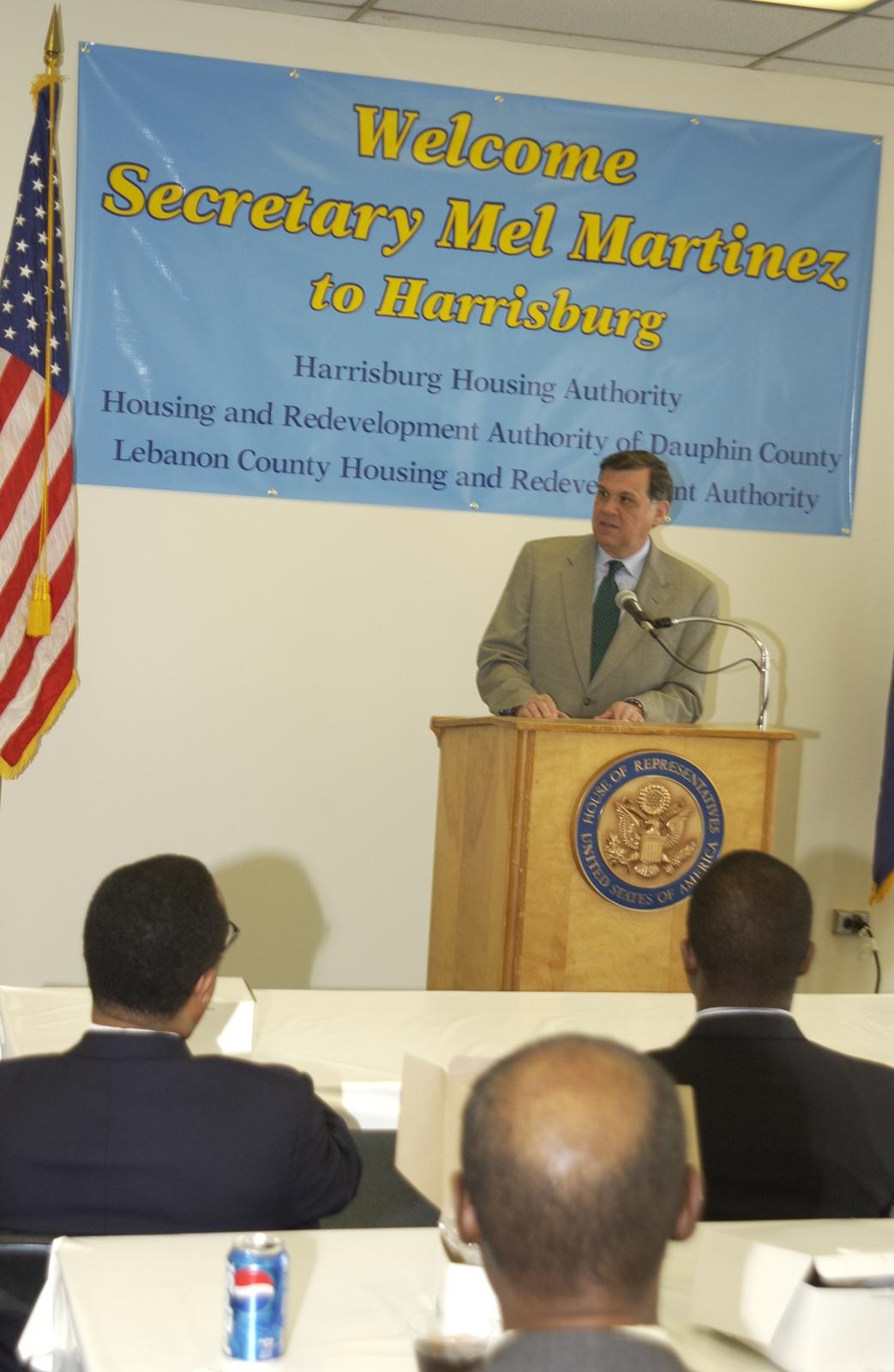 Seccretary Mel Martinez in Harrisburg, Pennsylvania