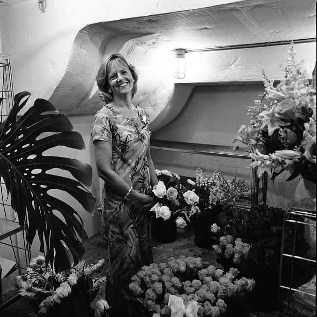 Us air force usaf general gen gregory s martin commander portrait of wendy heater elsasser assistant director white house flower shop mightylinksfo