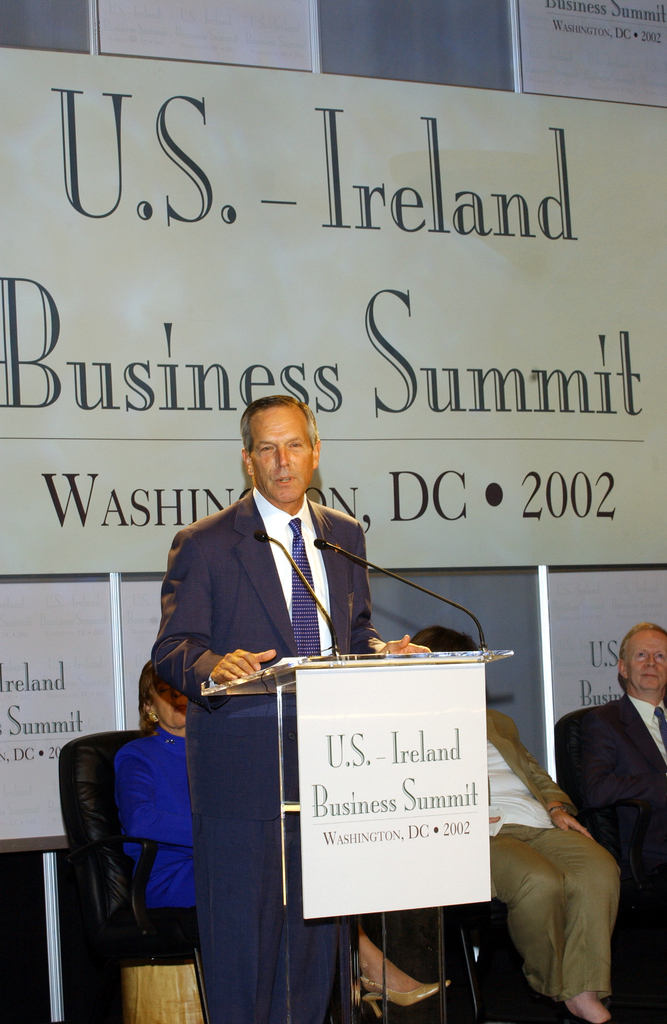 [Assignment: OS_2002_1201_254] Office of the Secretary - UNITED STATES AND IRELAND BUSINESS SUMMIT, SECRETARY DONALD EVANS REMARKS [40_CFD_OS_2002_1201_254_560.jpg]