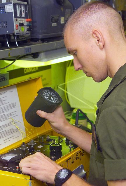 aviation electronics technician marines