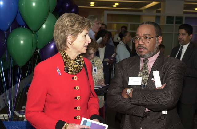 Administrator Christine Todd Whitman and AA OARM Morris Winn, Workplace Solutions Fair at EPA cafeteria [412-APD-A117-DSC_0117.JPG]