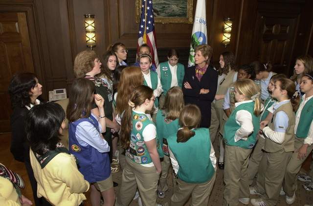 Administrator Christine Todd Whitman meets with girl scouts [412-APD-A123-DSC_0157.JPG]